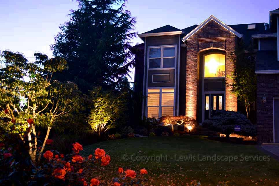 Outdoor-landscape-architectural-lighting-babst-project-summer-2012 001