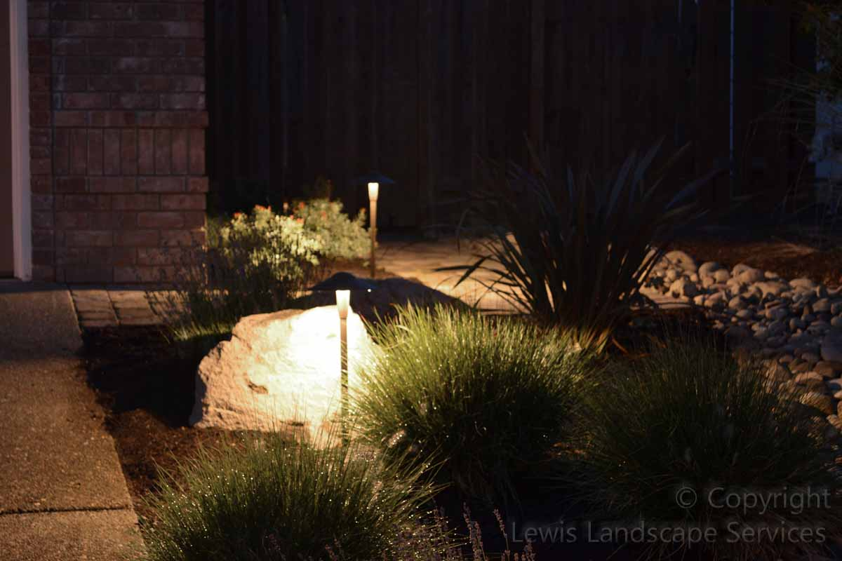 Outdoor-landscape-architectural-lighting-borgens-project-summer-2012 001