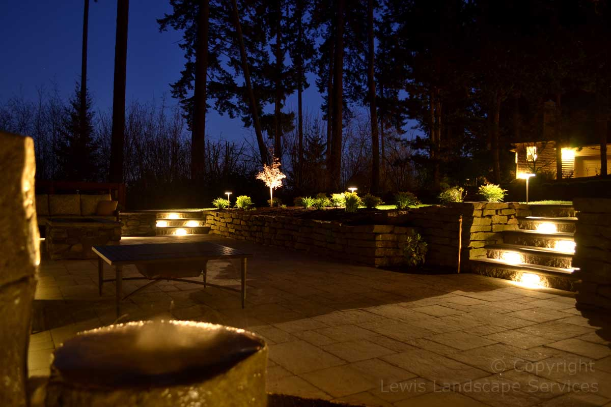 Outdoor-landscape-architectural-lighting-brown-project-spring-2014 003