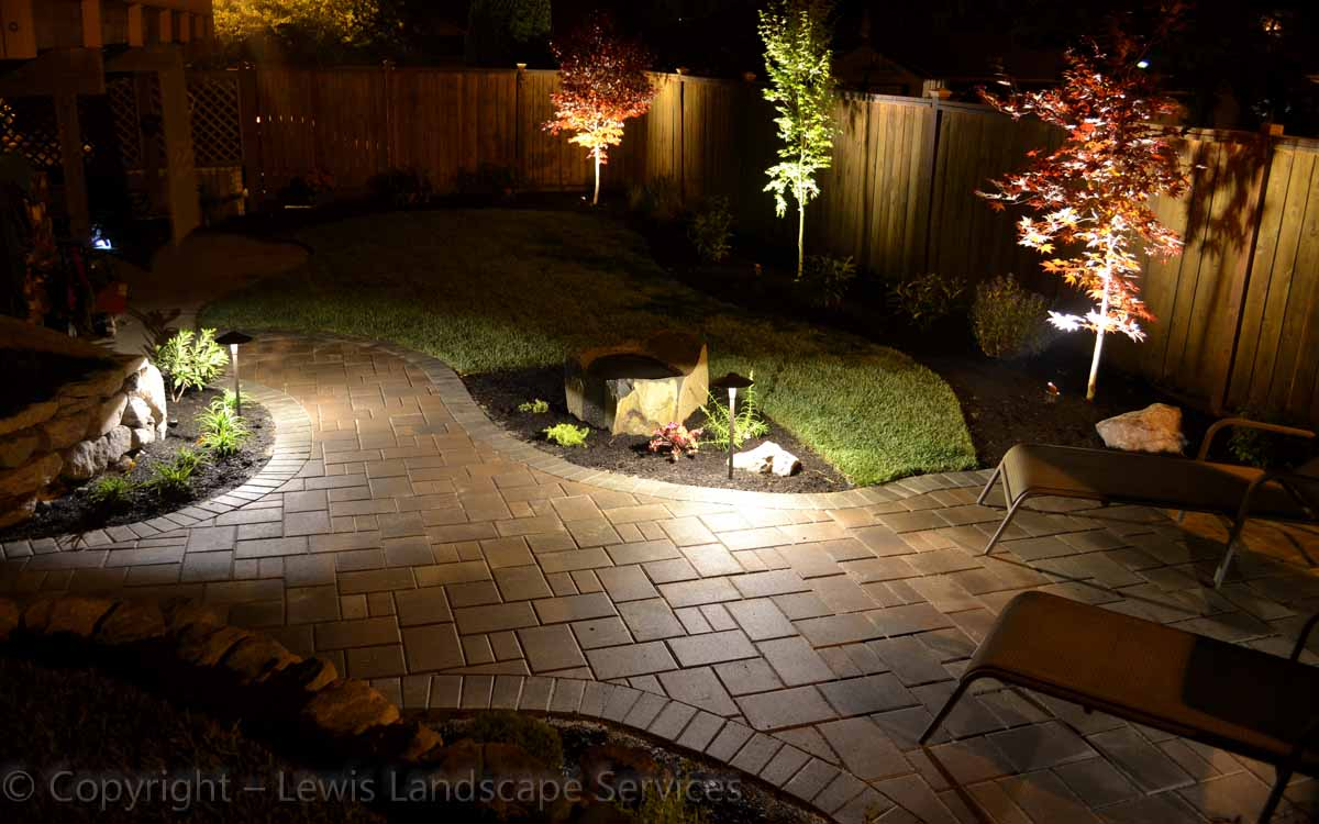 Outdoor-landscape-architectural-lighting-johnson-project-summer-2012 001