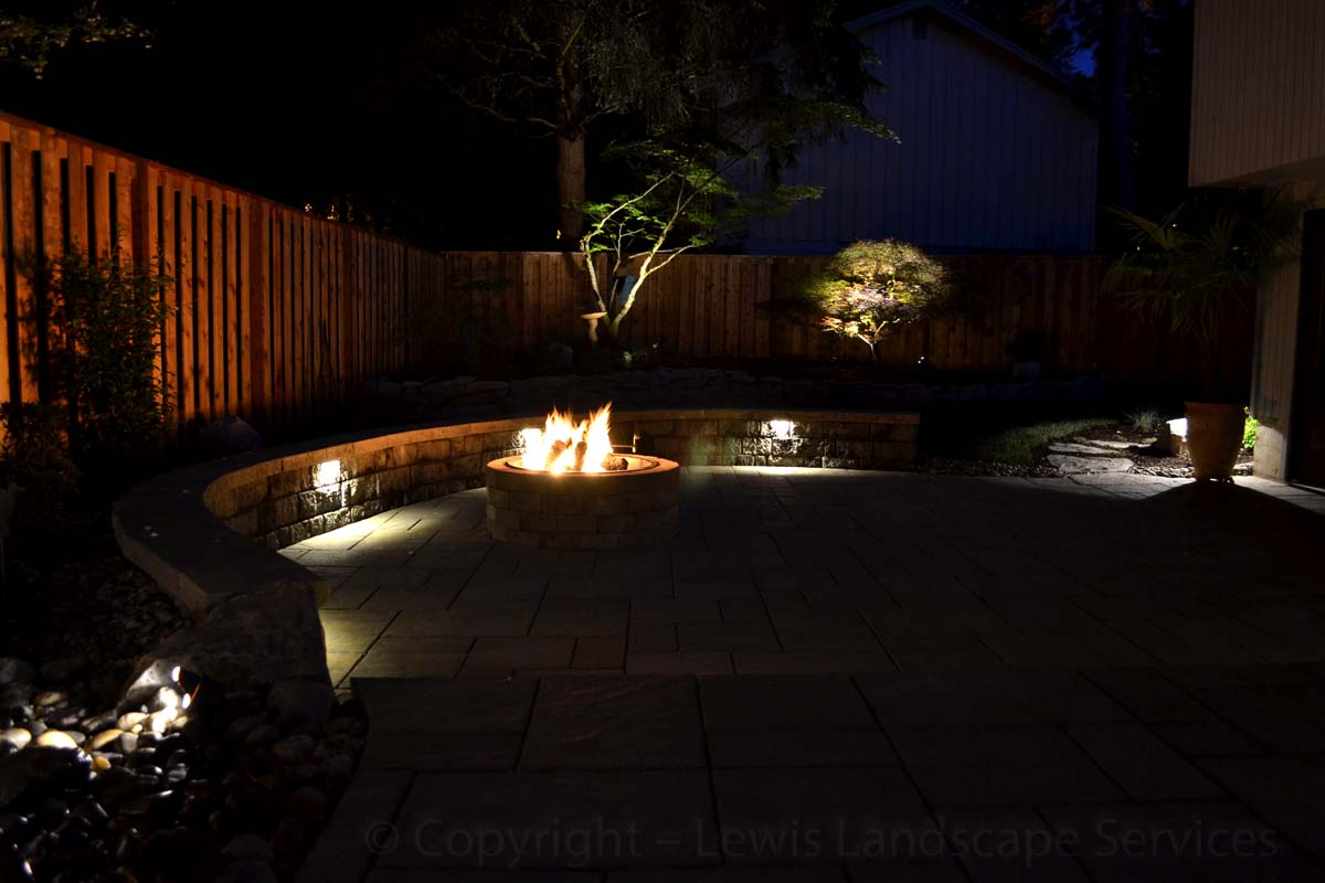 Outdoor-landscape-architectural-lighting-lundeen-project-spring-2013 007
