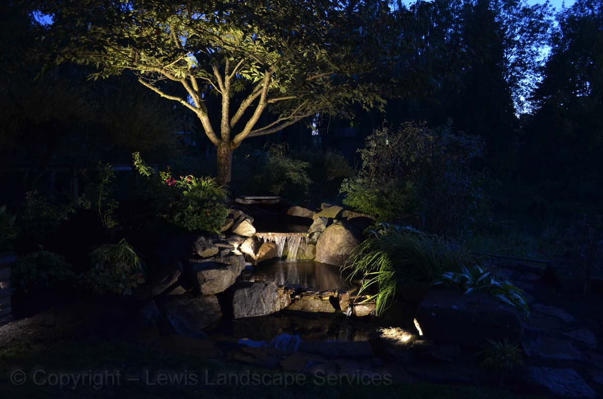 Outdoor-landscape-architectural-lighting-maloney-projet-fall-2013 006