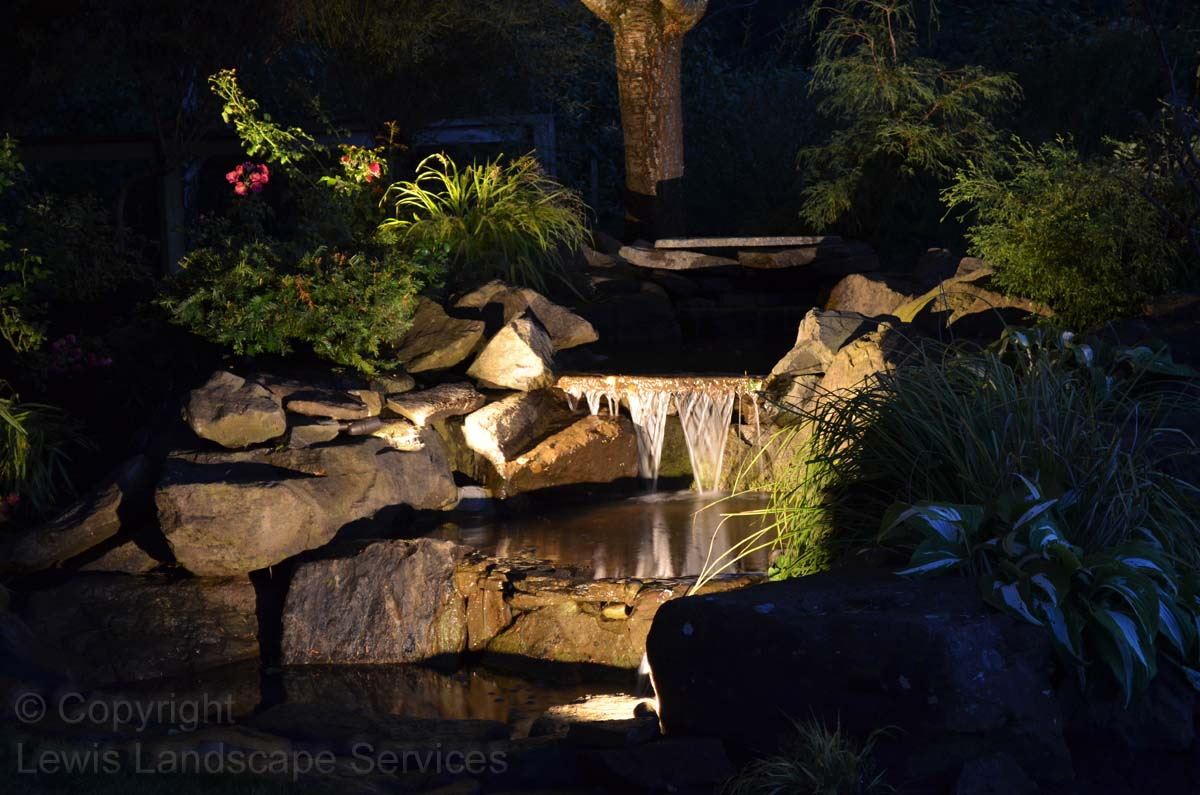 Outdoor-landscape-architectural-lighting-maloney-projet-fall-2013 007