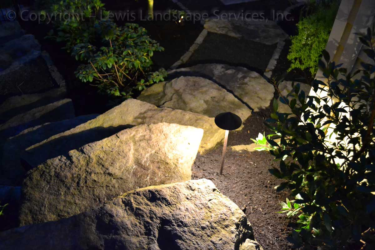 Outdoor-landscape-architectural-lighting-march-project-spring-2012 008