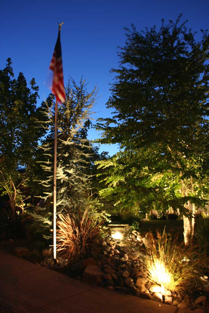 Outdoor-landscape-architectural-lighting-outdoor-lighting-project-in-beaverton-fall-2007 012