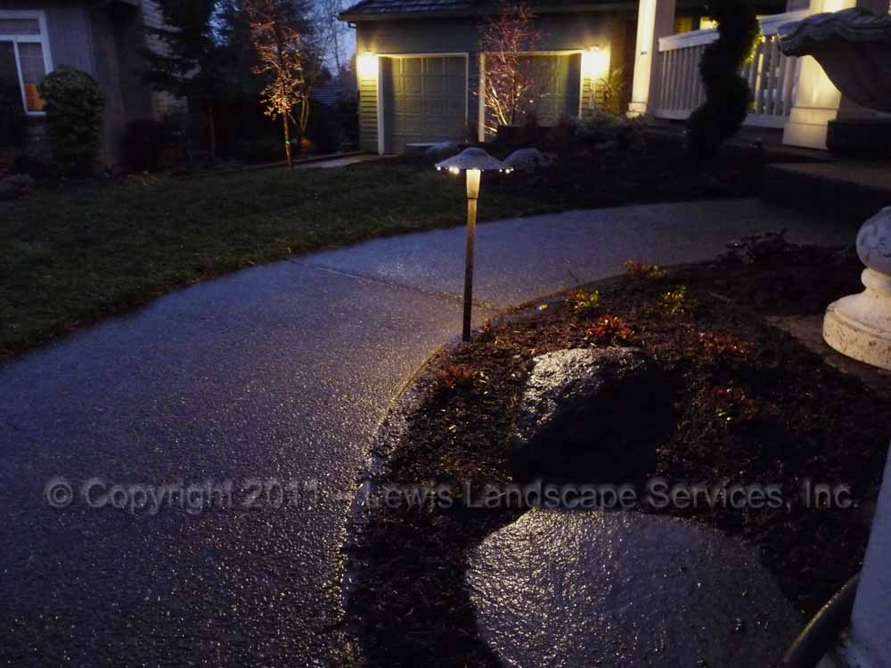Outdoor-landscape-architectural-lighting-tualatin-project-spring-2011 003