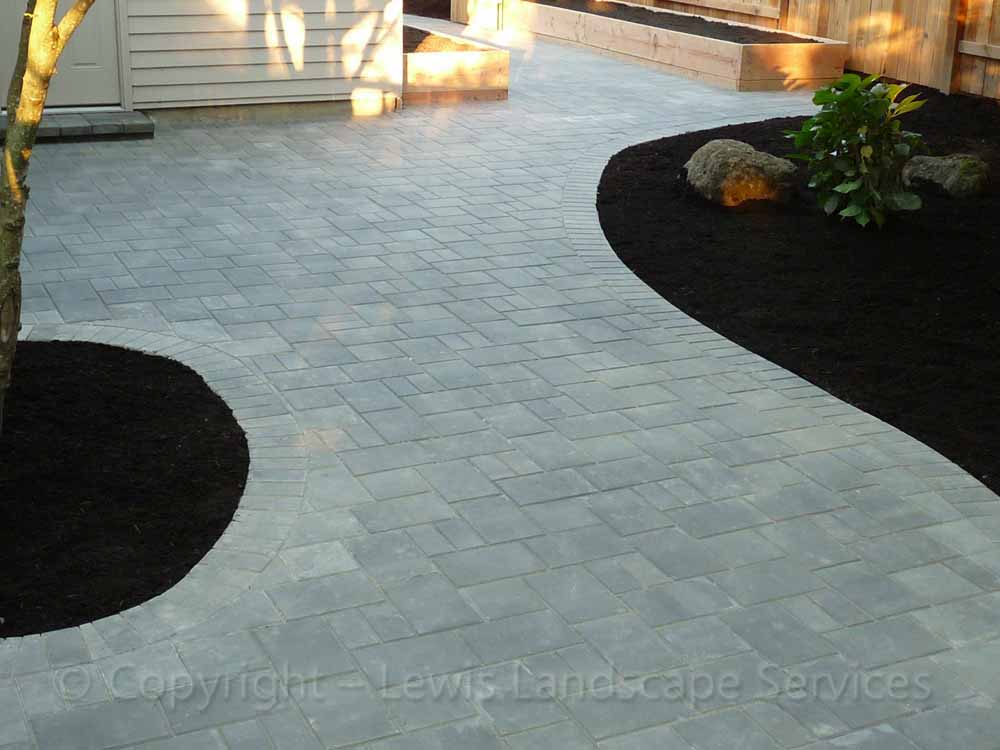 Paver Patio with Holland Pavers - 3pc Pattern