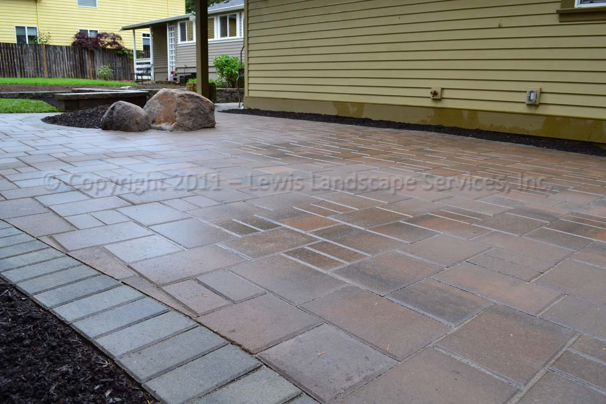 Paver Patio/Pathways, Seating Wall