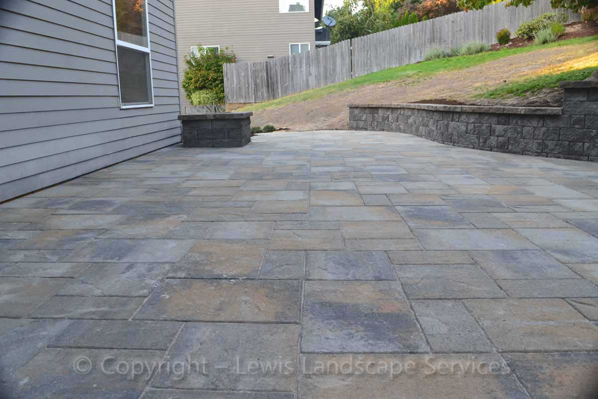 Paver Patio, Retaining Wall / Seat Wall