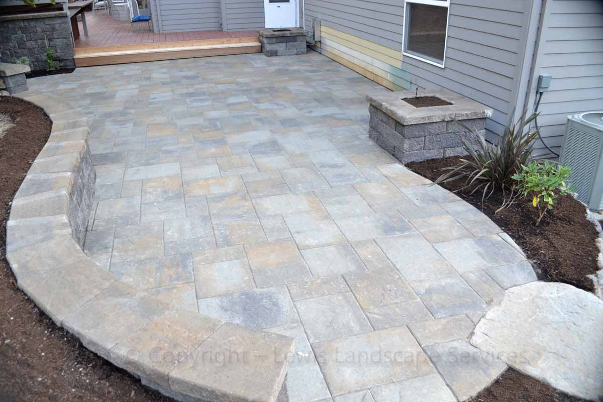 Paver Patio, Retaining Wall / Seat Wall, Raised Planter