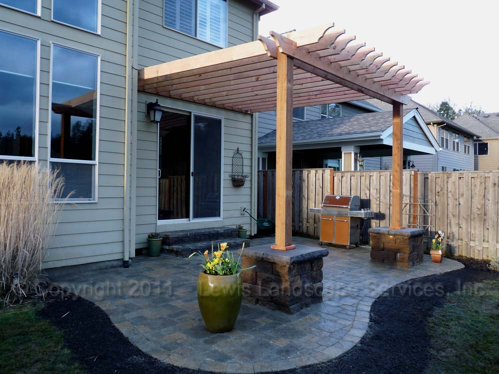 Outdoor-living-spaces-paver-patios-driveways-pathways-furino-project-spring-2011 000