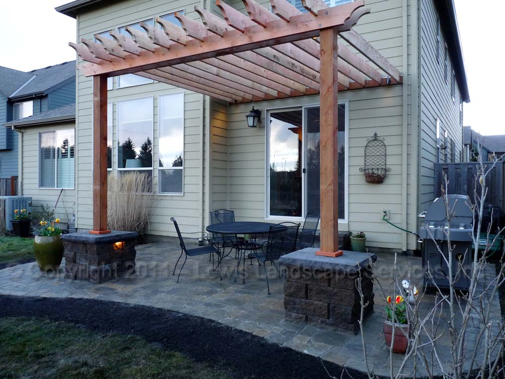 Outdoor-living-spaces-paver-patios-driveways-pathways-furino-project-spring-2011 003