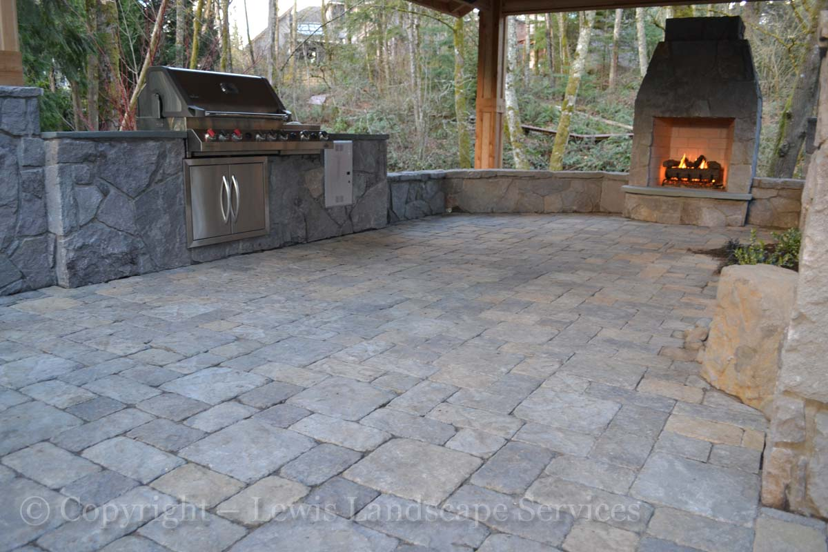 Paver Patio, Seat Walls, Outdoor Kitchen, Fireplace