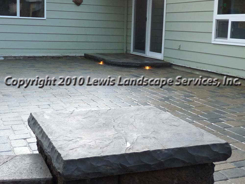 Outdoor-living-spaces-paver-patios-driveways-pathways-johnston-project-spring-2010 002