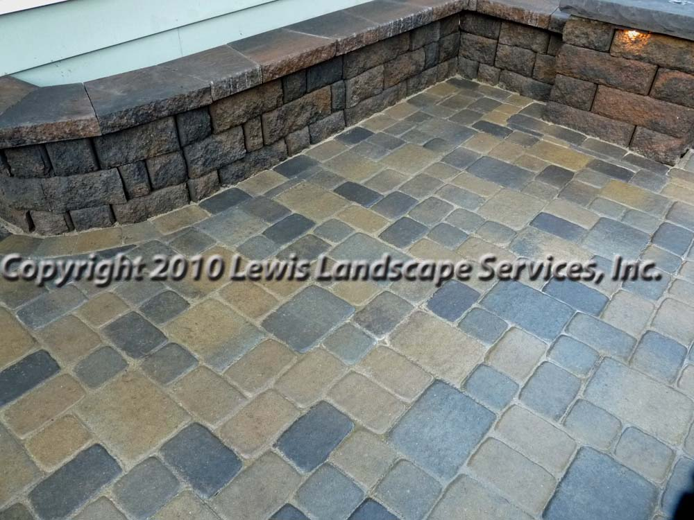 Outdoor-living-spaces-paver-patios-driveways-pathways-johnston-project-spring-2010 006