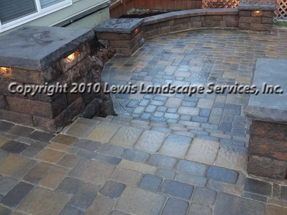 Outdoor-living-spaces-paver-patios-driveways-pathways-johnston-project-spring-2010 008