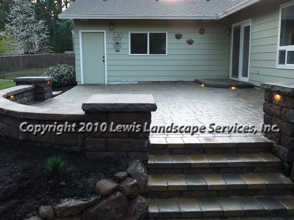 Outdoor-living-spaces-paver-patios-driveways-pathways-johnston-project-spring-2010 010