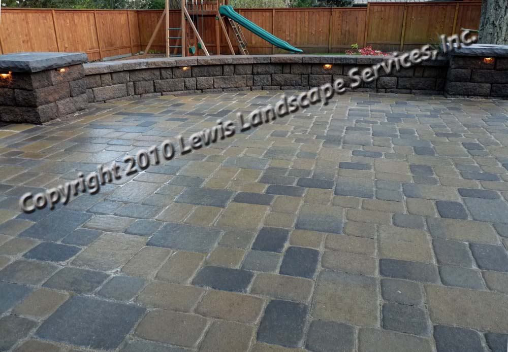 Outdoor-living-spaces-paver-patios-driveways-pathways-johnston-project-spring-2010 012