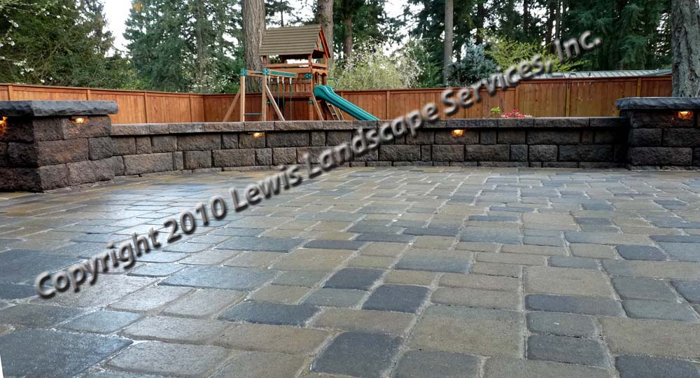 Outdoor-living-spaces-paver-patios-driveways-pathways-johnston-project-spring-2010 014