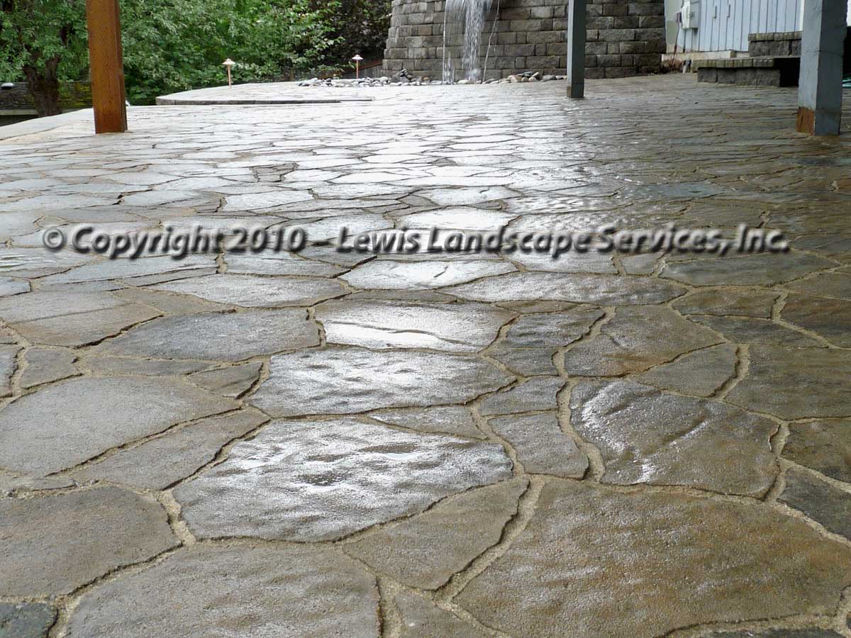 Outdoor-living-spaces-paver-patios-driveways-pathways-joyce-project-summer-2009 004