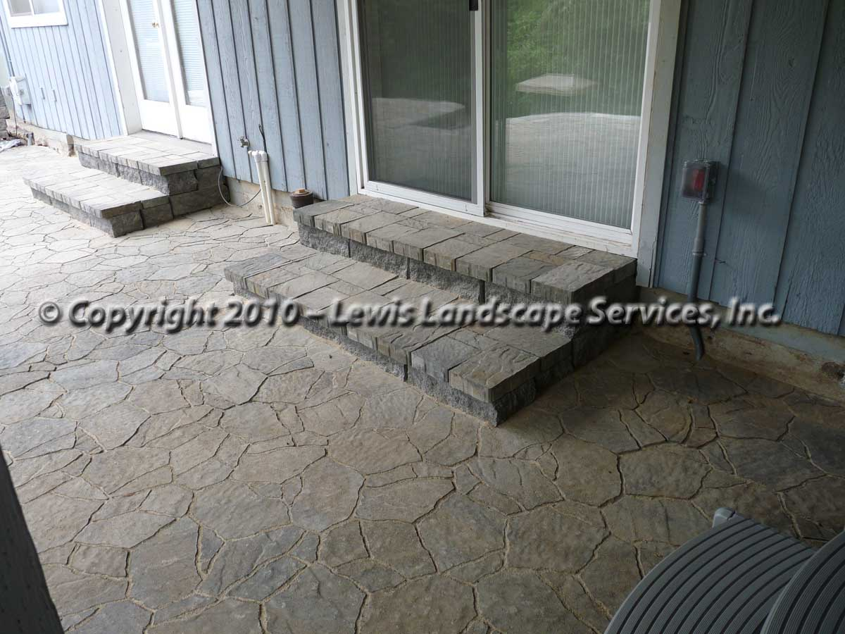 Outdoor-living-spaces-paver-patios-driveways-pathways-joyce-project-summer-2009 009