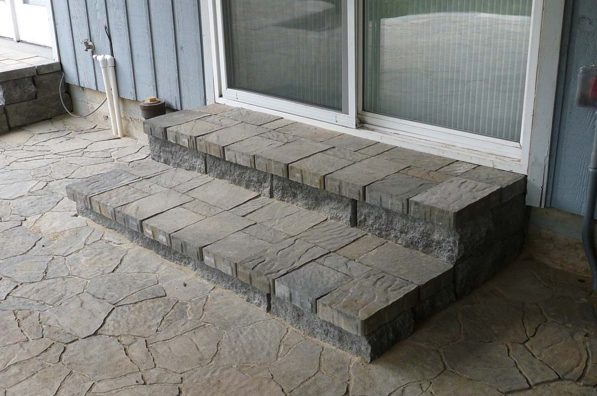 Outdoor-living-spaces-paver-patios-driveways-pathways-joyce-project-summer-2009 010