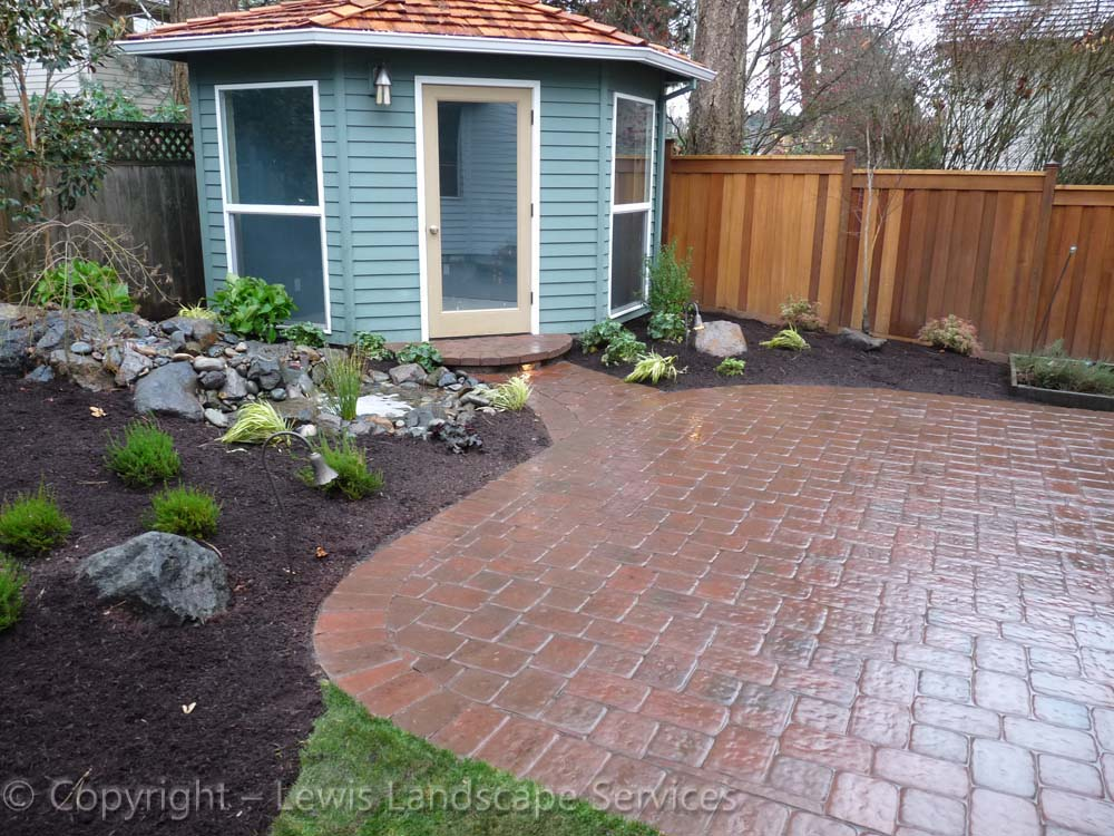 Outdoor-living-spaces-paver-patios-driveways-pathways-judkins-project-fall-2010 004