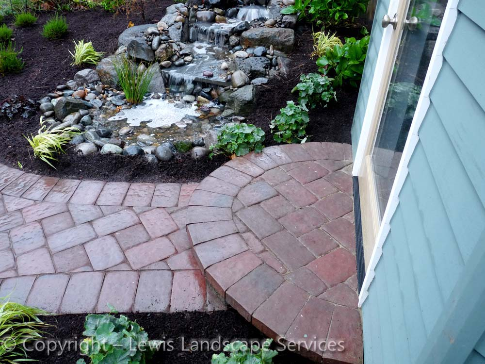 Outdoor-living-spaces-paver-patios-driveways-pathways-judkins-project-fall-2010 005