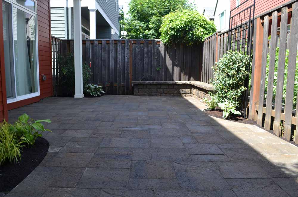 Outdoor-living-spaces-paver-patios-driveways-pathways-kathrein-project-summer-14 000