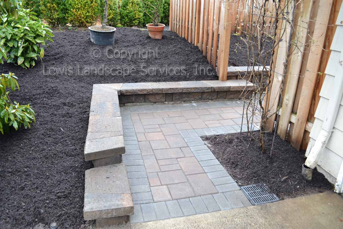 Paver Pathway & Wall to Driveway