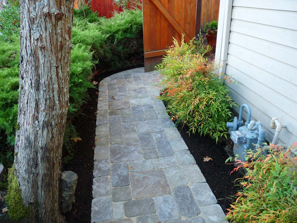 Paver Pathway off of Driveway