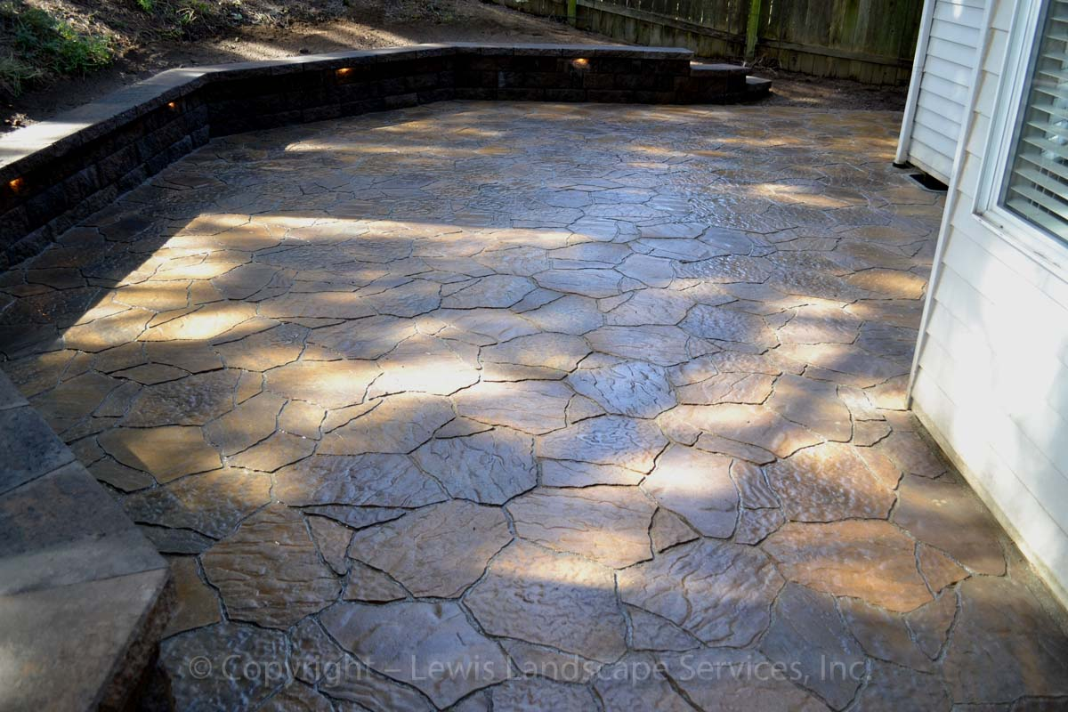 Outdoor-living-spaces-paver-patios-driveways-pathways-reilly-project-spring-2012 005