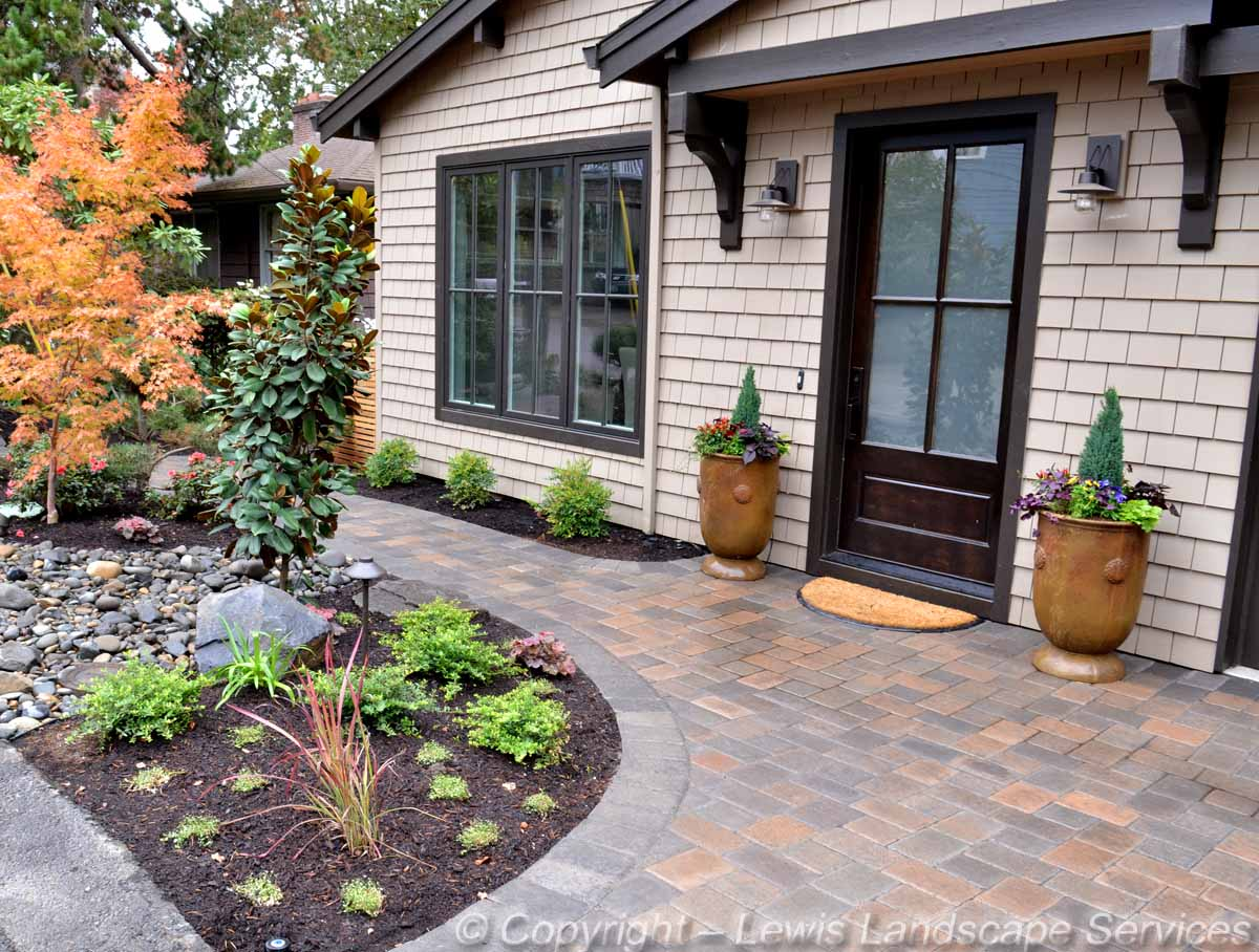 Paver Driveway, Pathway & Landscaping Front Yard
