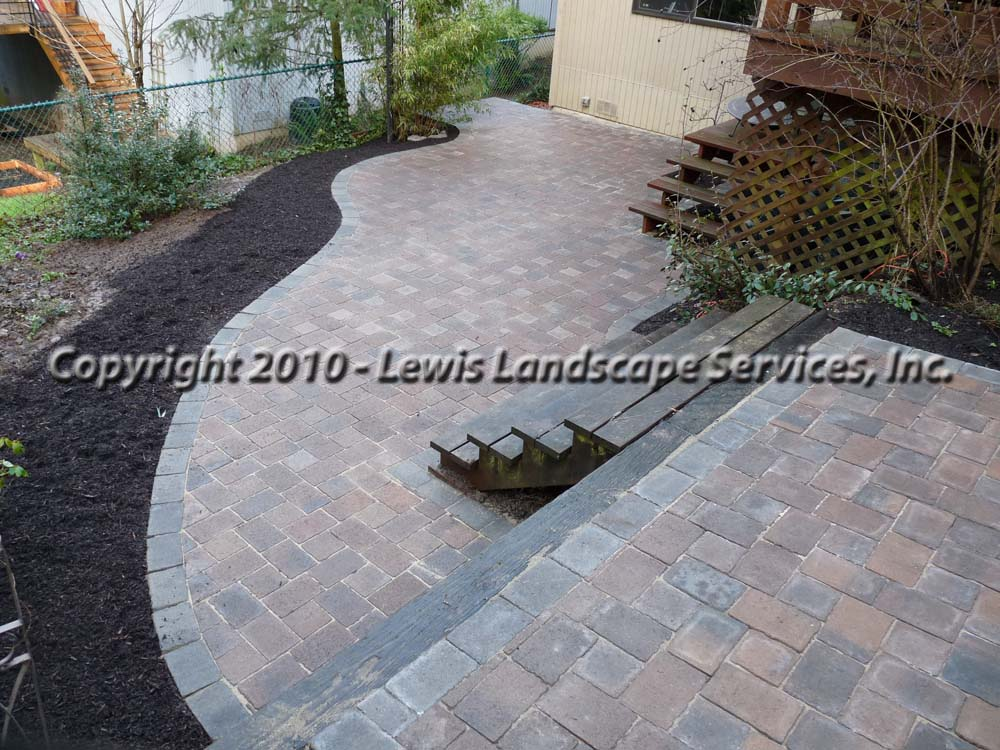 Outdoor-living-spaces-paver-patios-driveways-pathways-shannon-project-february-2010 000