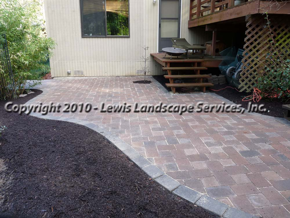 Outdoor-living-spaces-paver-patios-driveways-pathways-shannon-project-february-2010 003