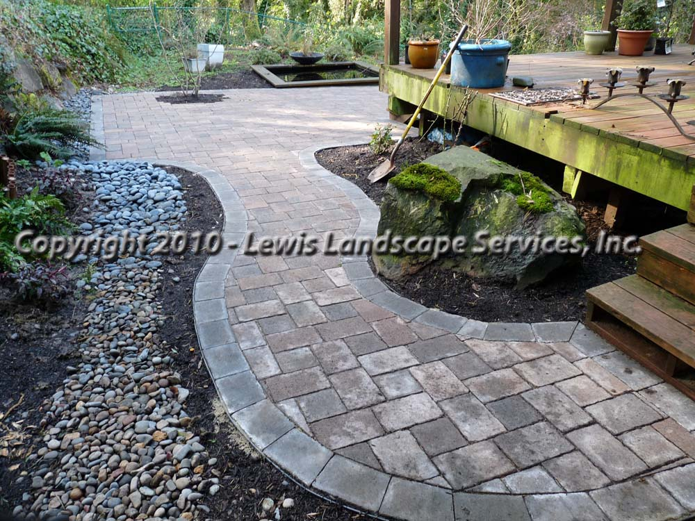 Outdoor-living-spaces-paver-patios-driveways-pathways-shannon-project-february-2010 005