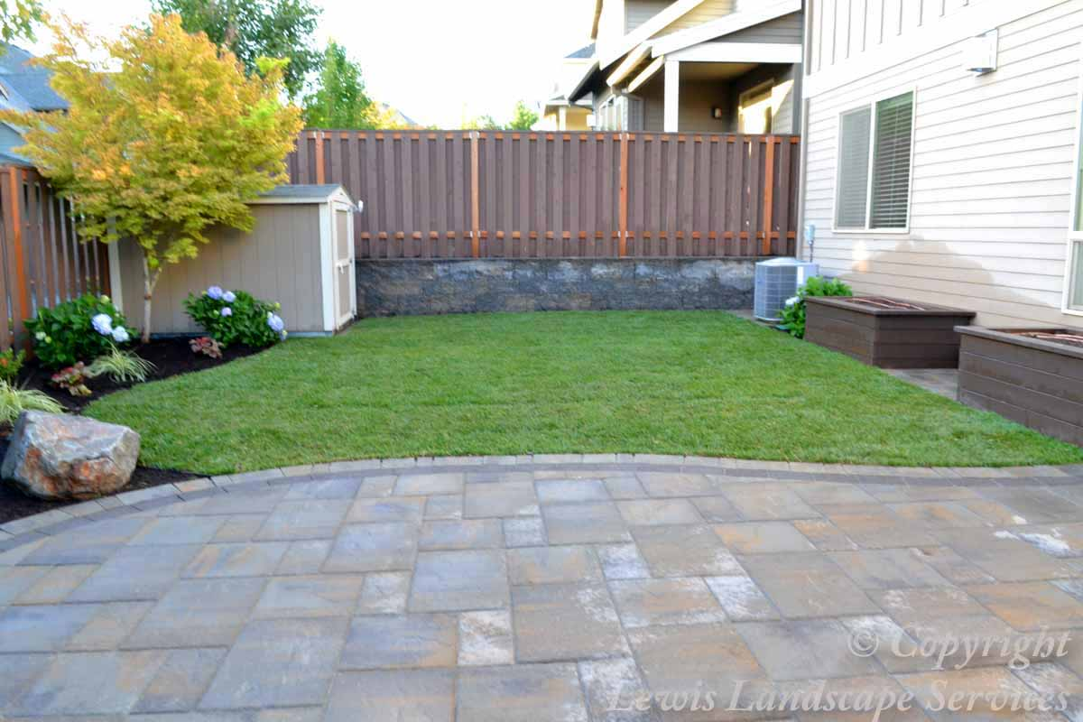 Paver Patio, Landscaping