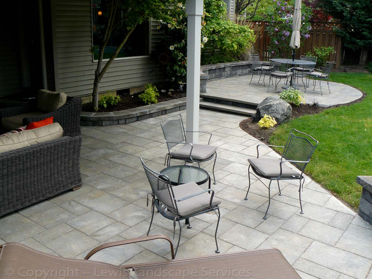 Paver Patios, Seat Wall