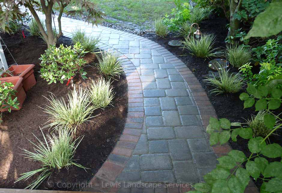 Outdoor-living-spaces-paver-patios-driveways-pathways-walker-project-2010 000