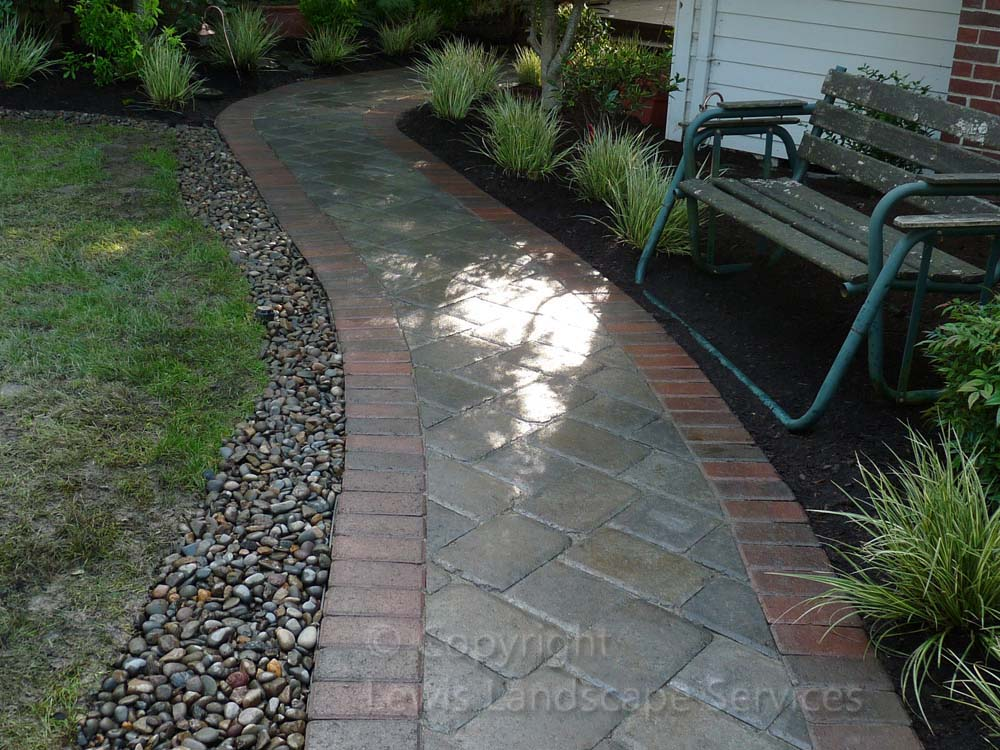 Outdoor-living-spaces-paver-patios-driveways-pathways-walker-project-2010 001