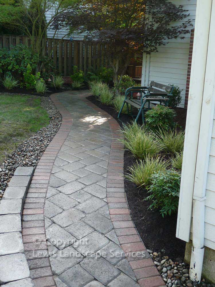 Outdoor-living-spaces-paver-patios-driveways-pathways-walker-project-2010 002