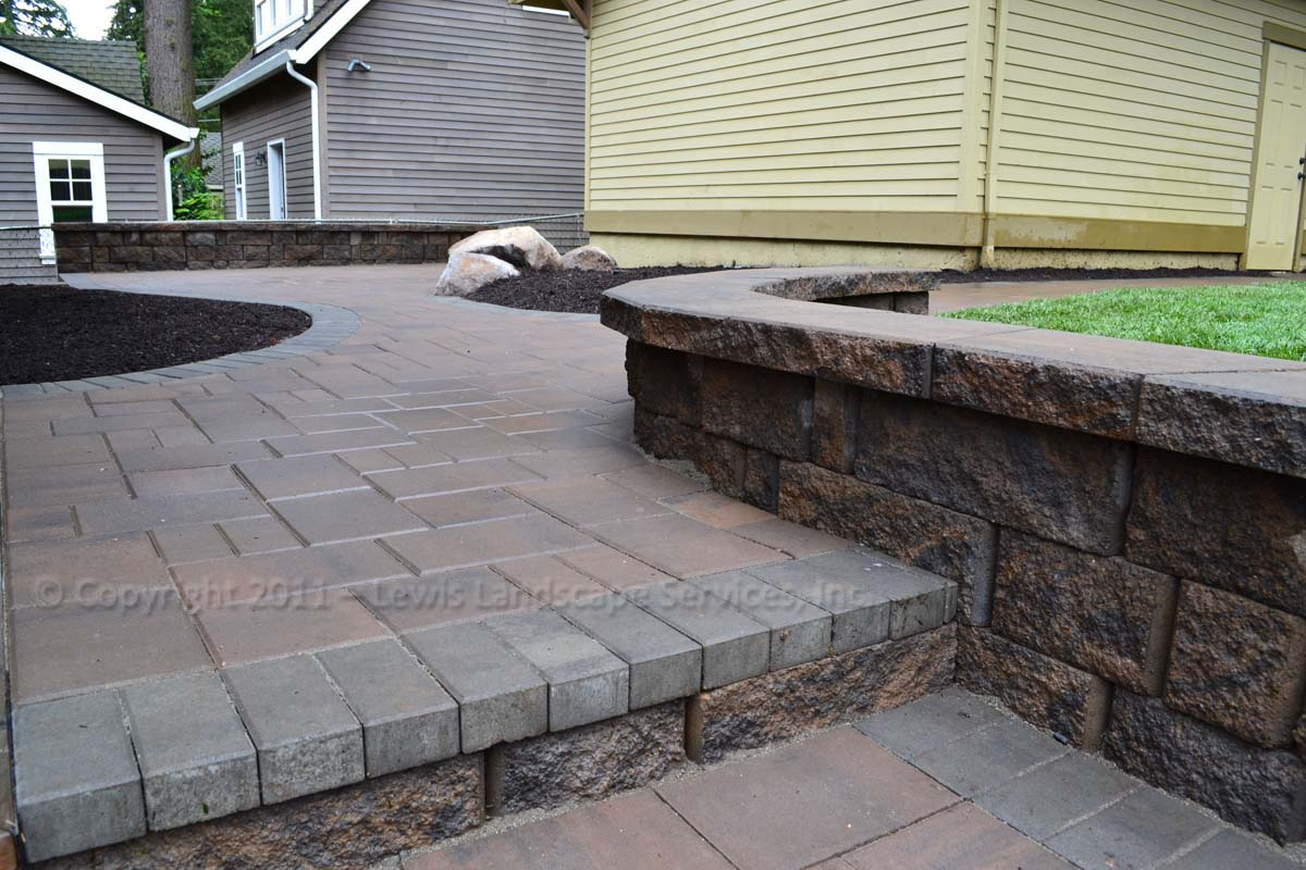 Seat-walls-courtyard-walls-columns-anderson-project-spring-2011 001