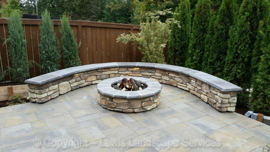 Seat-walls-courtyard-walls-columns-bankert-project-summer-15 001