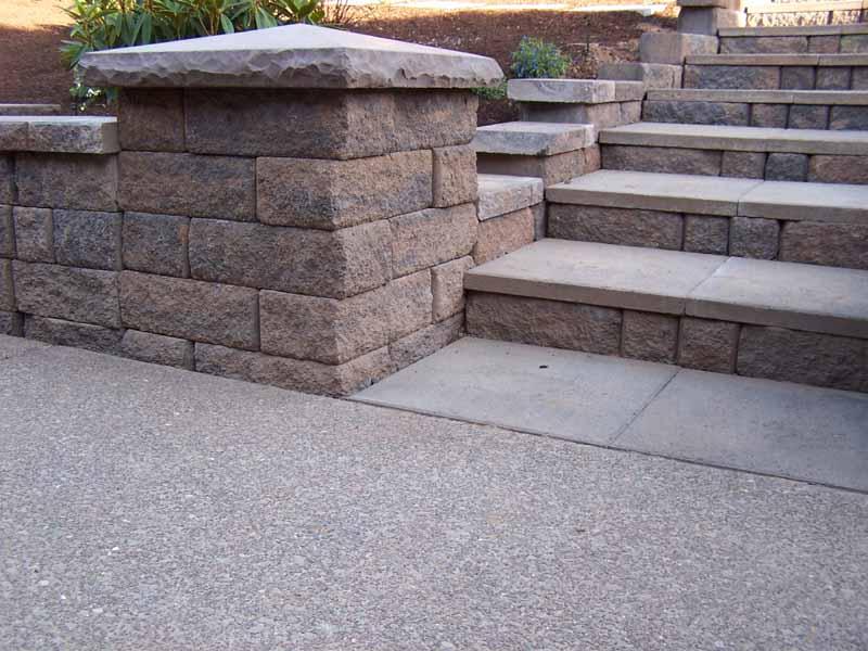Seat-walls-courtyard-walls-columns-laughlin-project-2007 002