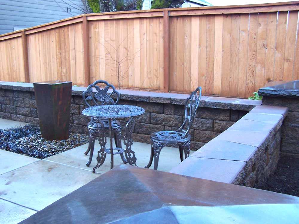 Seat-walls-courtyard-walls-columns-lee-project-2008 006