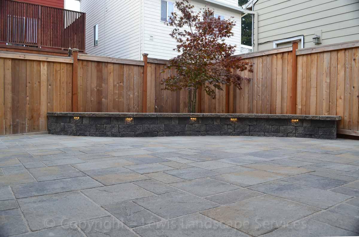 Seat-walls-courtyard-walls-columns-lee-project-2012 002