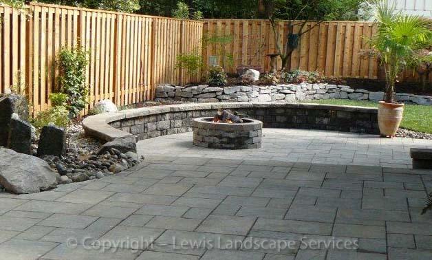 Seat-walls-courtyard-walls-columns-lundeen-project-summer-2013 000