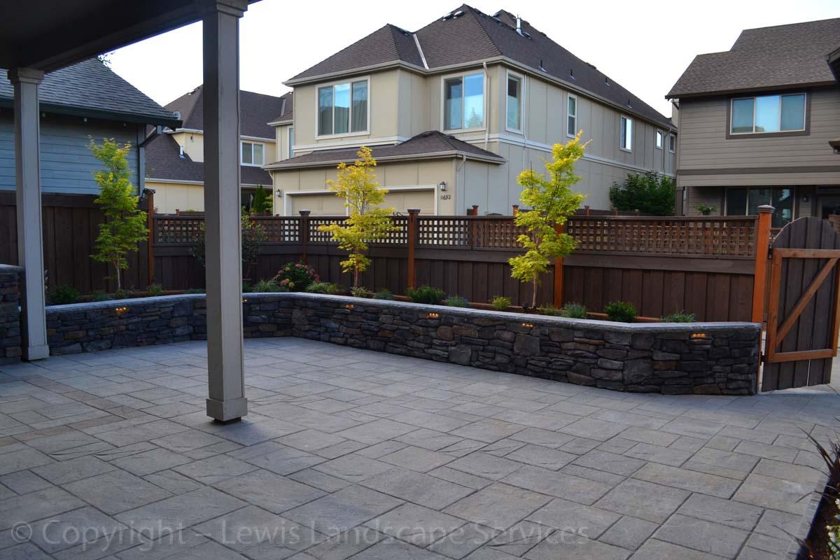 Seat-walls-courtyard-walls-columns-patel-project-summer-2013 005