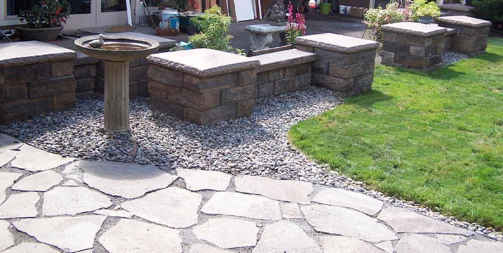 Seat-walls-courtyard-walls-columns-tassoni-project-2007 001