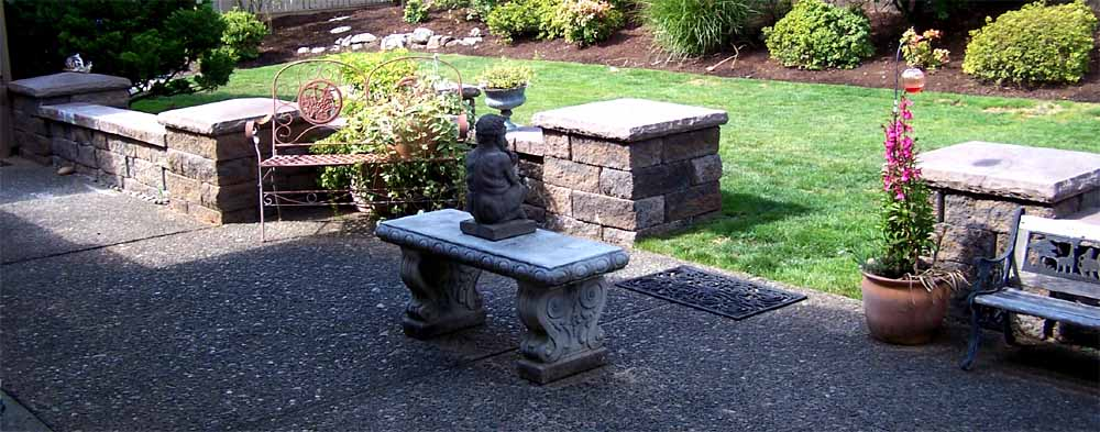 Seat-walls-courtyard-walls-columns-tassoni-project-2007 003